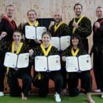 Hapkido - Danprüfung - Shin Jeon Hapkido Kampfkunst verleiht neue Schwarzgurte